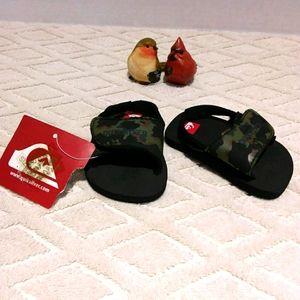 ⬇️ Quiksilver camo baby sandal-NWT